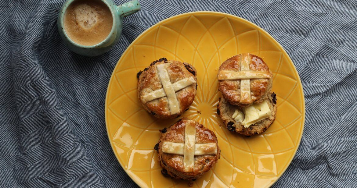 Vegan hot cross scones