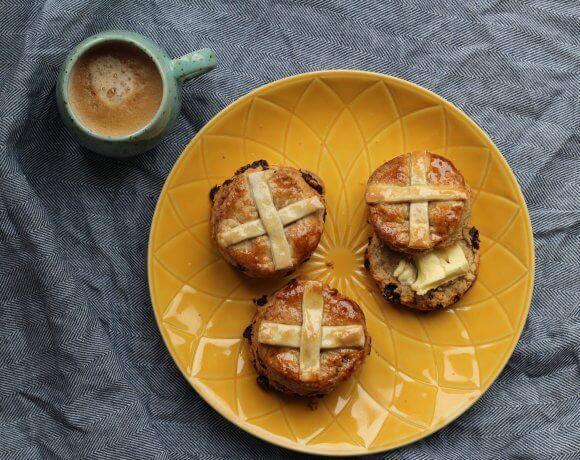 Vegan hot cross scones